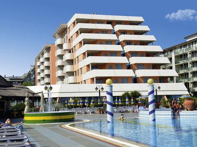 Hotel Holiday 9881//.jpg