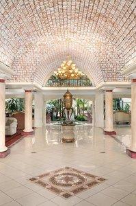 Embassy Suites Arcadia Pasadena Area Angebot aufrufen