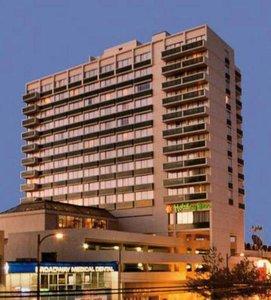 Hotel Holiday Inn Vancouver Centre 9881//.jpg