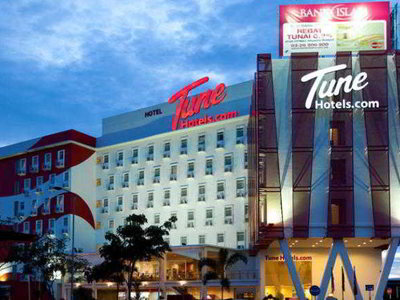 Tune Hotel Danga Bay