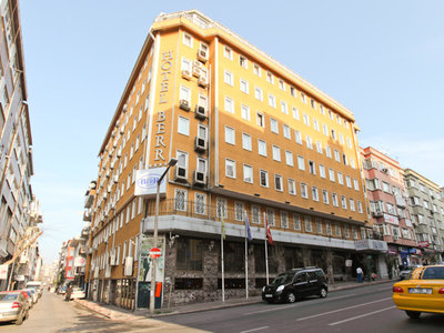Hotel Berr 9881//.jpg