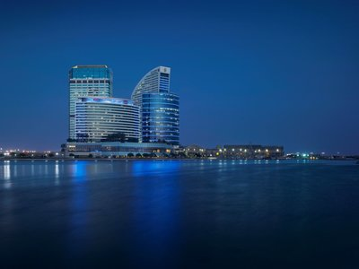 Hotel Crowne Plaza Dubai Festival City 9881//.jpg