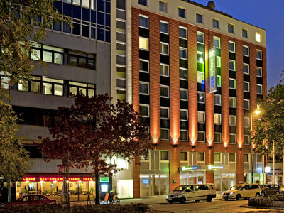 Hotel Holiday Inn Express Berlin City Centre West 9881//.jpg