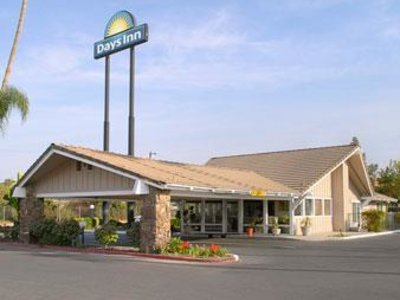 Days Inn Fresno Central Angebot aufrufen