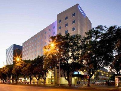 Hotel Novotel Sevilla Marques del Nervion 9881//.jpg