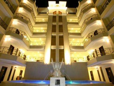 Hotel LK Renaissance 9881//.jpg