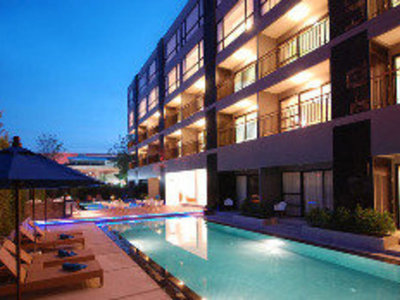 Hotel The Lantern Resort Patong 9881//.jpg