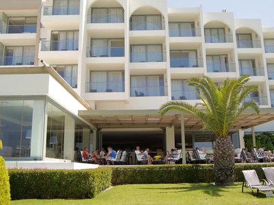 Hotel The Ixian Grand 9881//.jpg