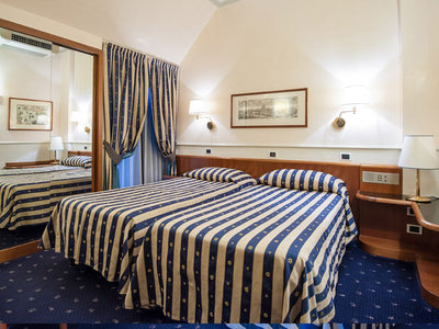 Hotel Flora 9881//.jpg