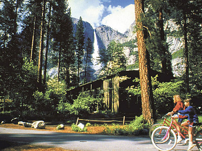 Hotel Yosemite Lodge at the Falls 9881//.jpg